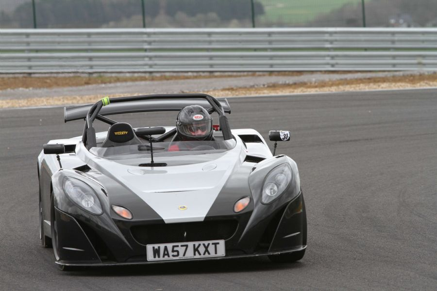 Lotus 211 with B6 seats